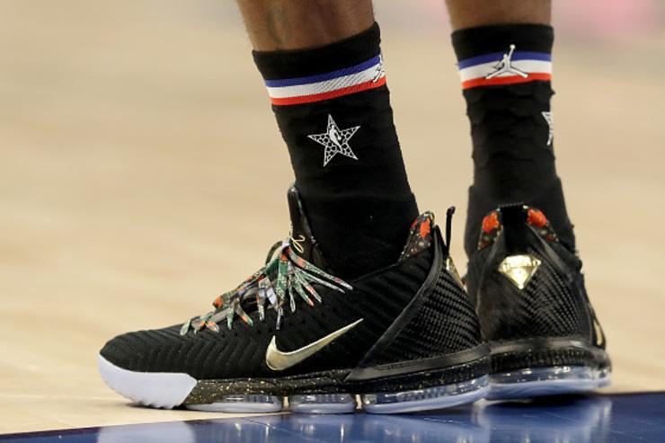 "Nike LeBron 16 ""Watch The Throne"